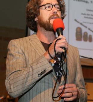 Moderator Daniel Finkernagel