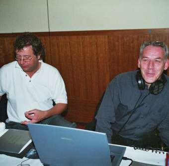 Techniker Andreas Grothof u. Jonas Jansen